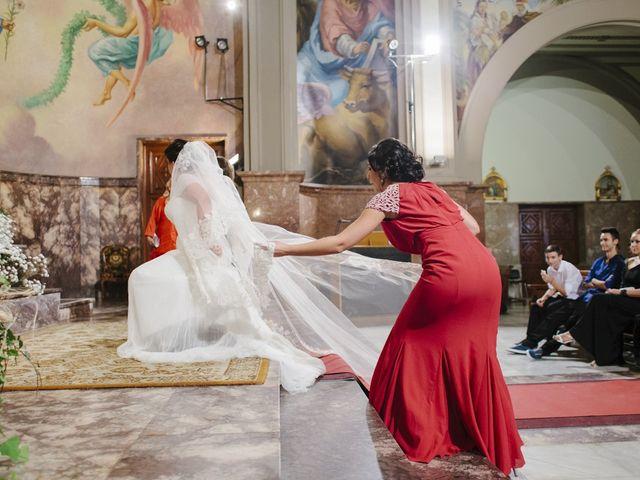 La boda de Fernando y Alba en Paterna, Valencia 24