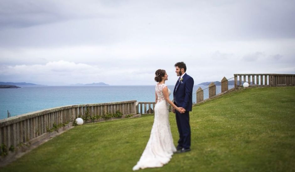 La boda de Esteban y Raquel en O Grove (Casco Urbano), Pontevedra