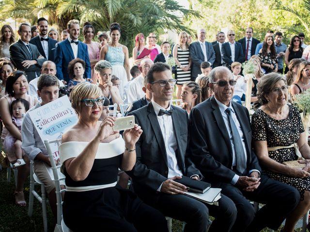 La boda de Cristian y Noemí en Alacant/alicante, Alicante 27