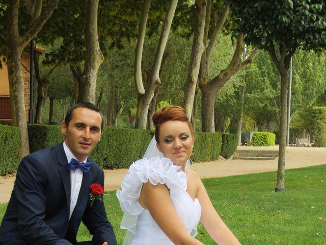 La boda de Loredana y Grigoras en La Roda, Albacete 19
