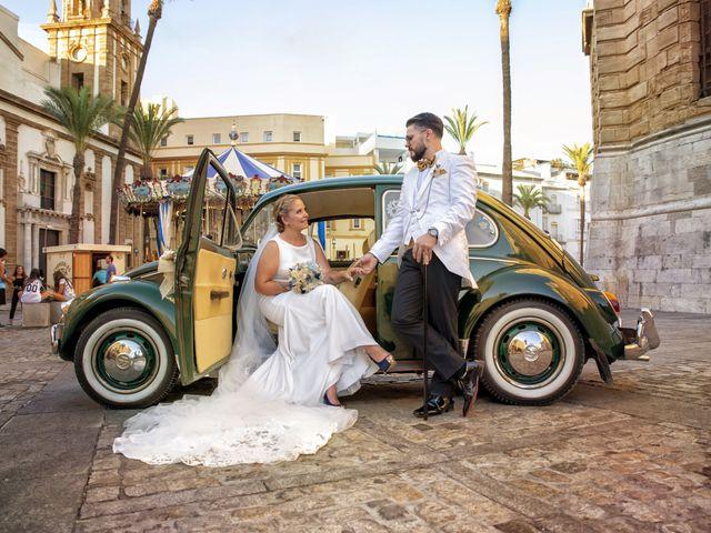 La boda de Mamen y José Domingo en Cádiz, Cádiz 13