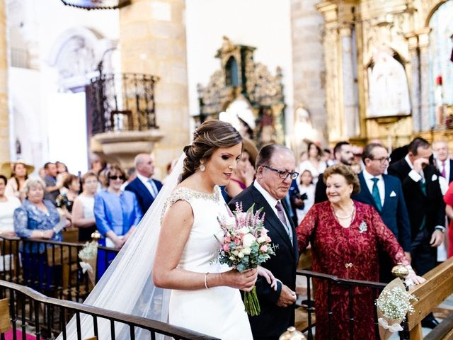 La boda de Miguel y Elena en Llerena, Badajoz 8