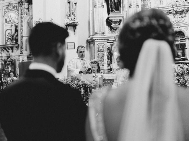 La boda de Miguel y Elena en Llerena, Badajoz 15
