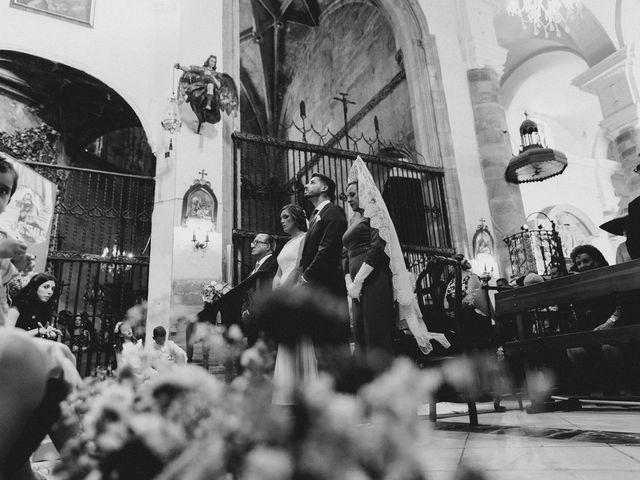 La boda de Miguel y Elena en Llerena, Badajoz 16