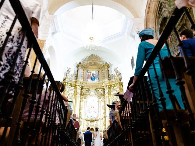 La boda de Miguel y Elena en Llerena, Badajoz 17