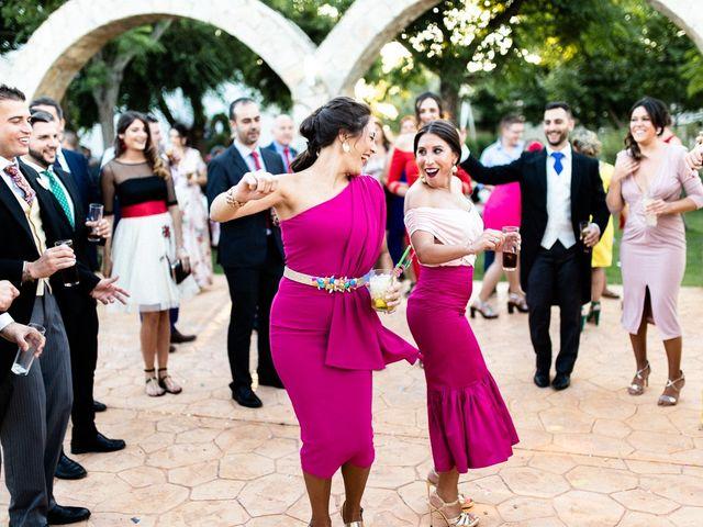 La boda de Miguel y Elena en Llerena, Badajoz 59