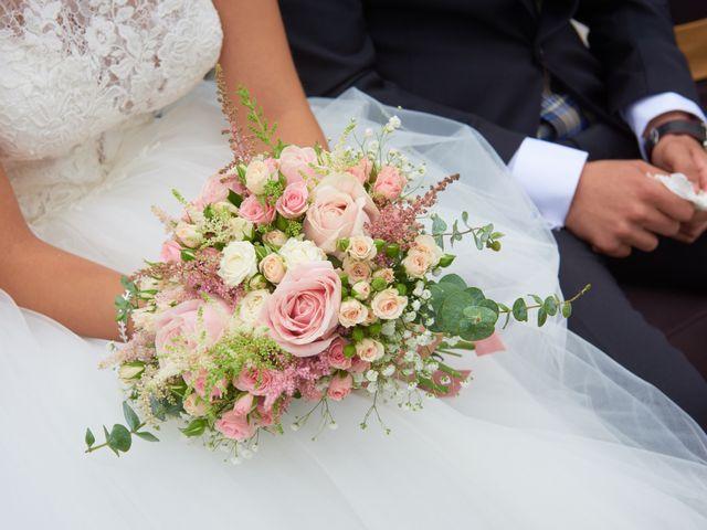 La boda de Miguel y Rosalina en Avilés, Asturias 10