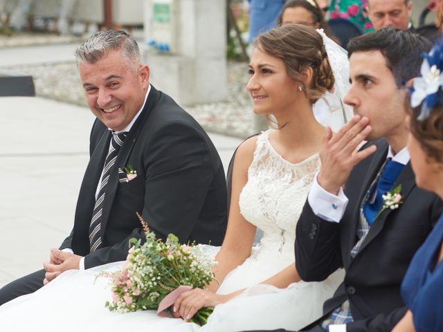 La boda de Miguel y Rosalina en Avilés, Asturias 16