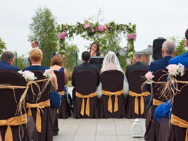 La boda de Miguel y Rosalina en Avilés, Asturias 17