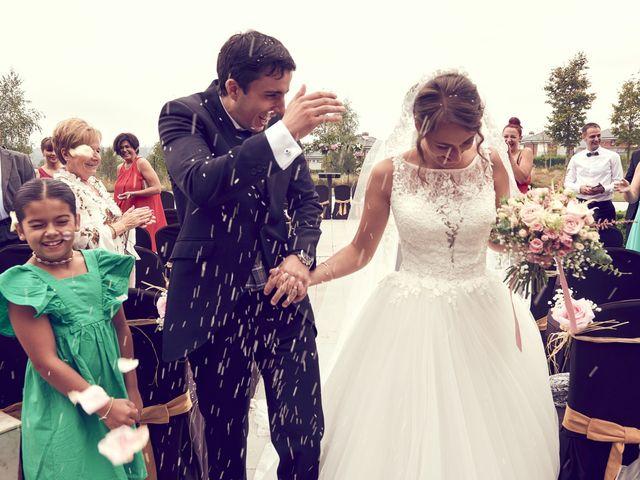 La boda de Miguel y Rosalina en Avilés, Asturias 28