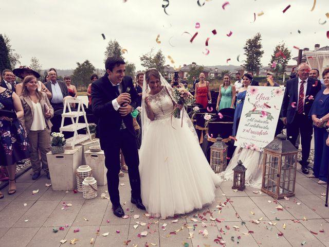 La boda de Miguel y Rosalina en Avilés, Asturias 30