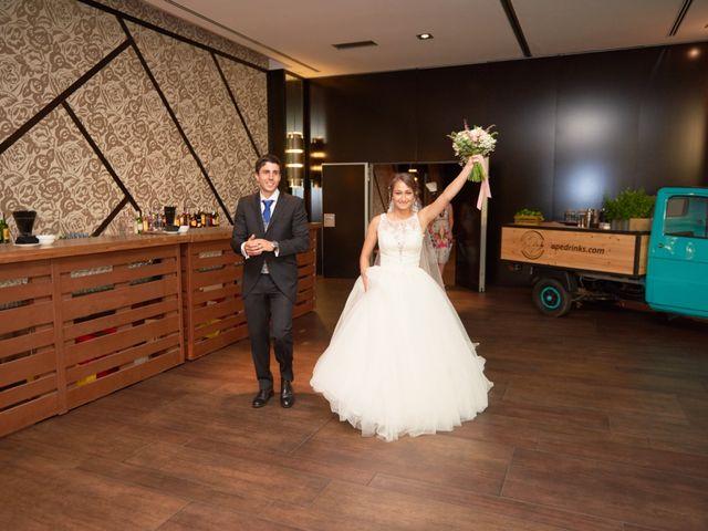 La boda de Miguel y Rosalina en Avilés, Asturias 35