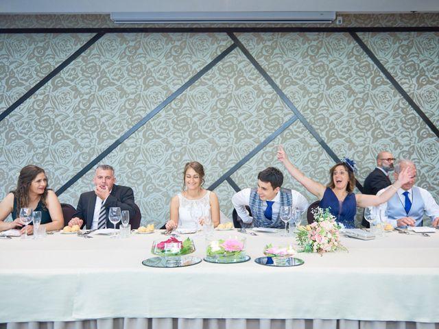 La boda de Miguel y Rosalina en Avilés, Asturias 38
