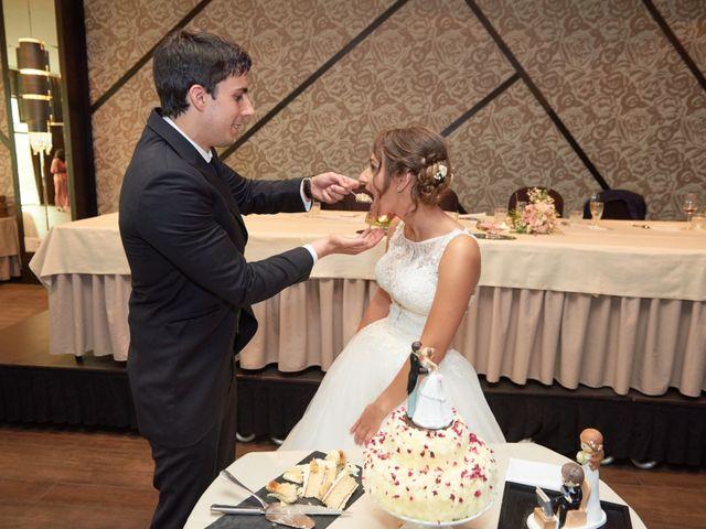 La boda de Miguel y Rosalina en Avilés, Asturias 39