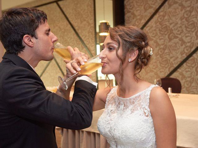 La boda de Miguel y Rosalina en Avilés, Asturias 40