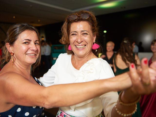 La boda de Miguel y Rosalina en Avilés, Asturias 41