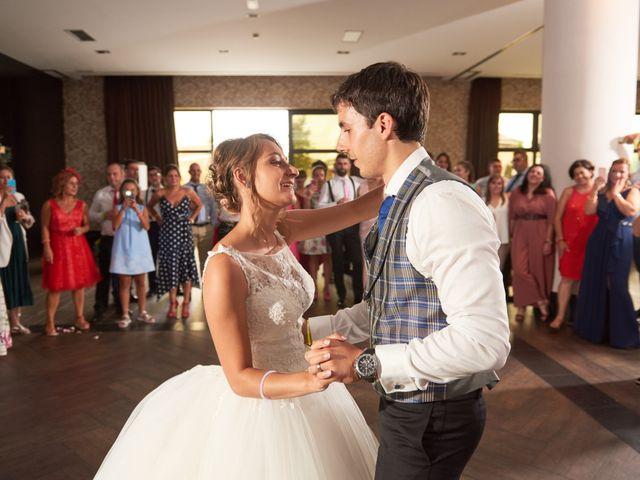 La boda de Miguel y Rosalina en Avilés, Asturias 49