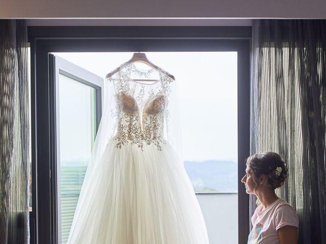 La boda de Miguel y Rosalina en Avilés, Asturias 52