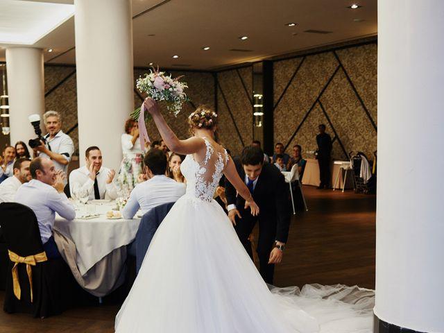 La boda de Miguel y Rosalina en Avilés, Asturias 2