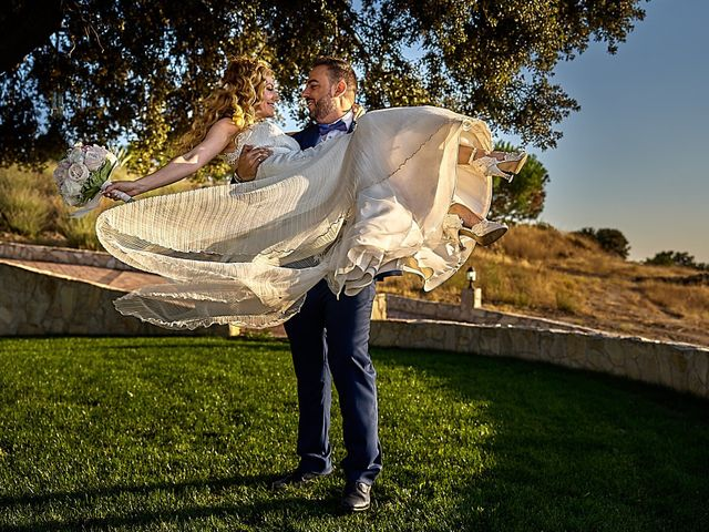 La boda de Alberto y Rocío en La Torre De Esteban Hambran, Toledo 1