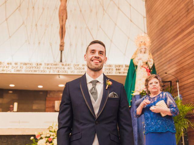 La boda de Christian y Irene en Alacant/alicante, Alicante 24