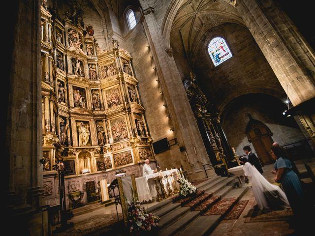 La boda de Nara y Oliver en Oiartzun, Guipúzcoa 81