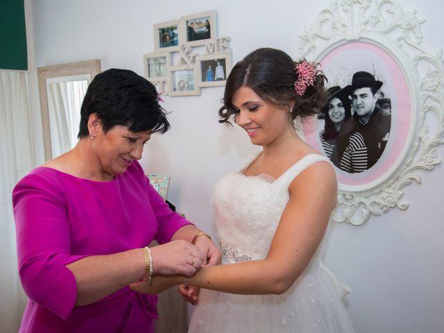 La boda de Santiago y Isabel en A Coruña, A Coruña 15