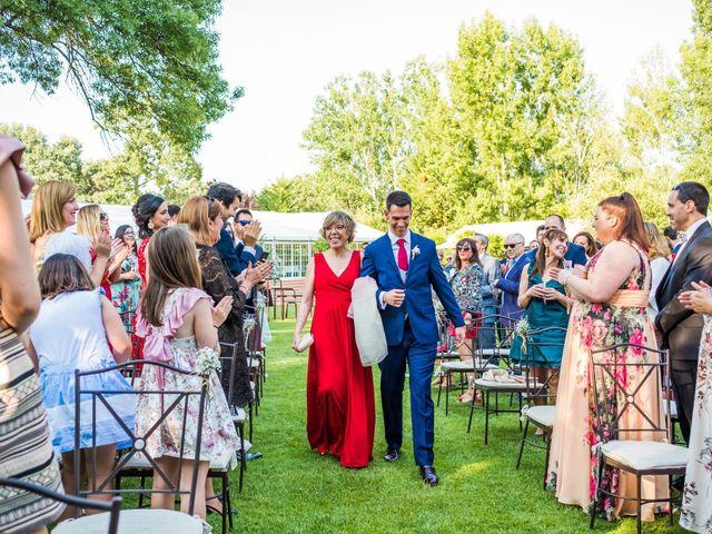 La boda de Mario y Lucía en El Escorial, Madrid 27