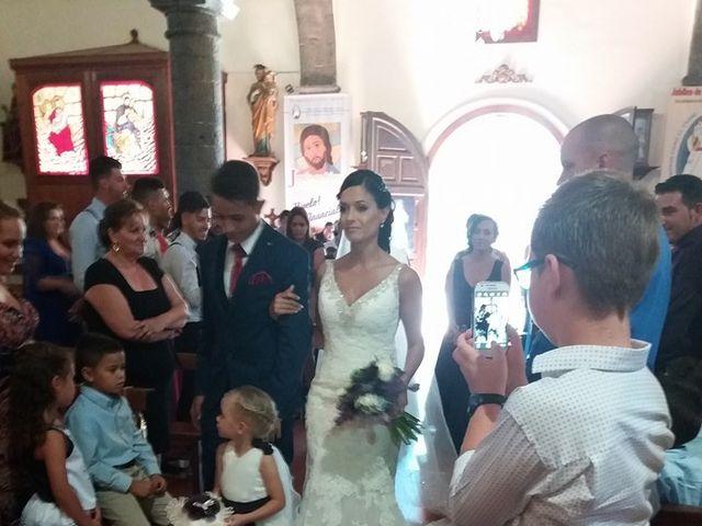 La boda de Daniel y Elena  en Arrecife, Las Palmas 2