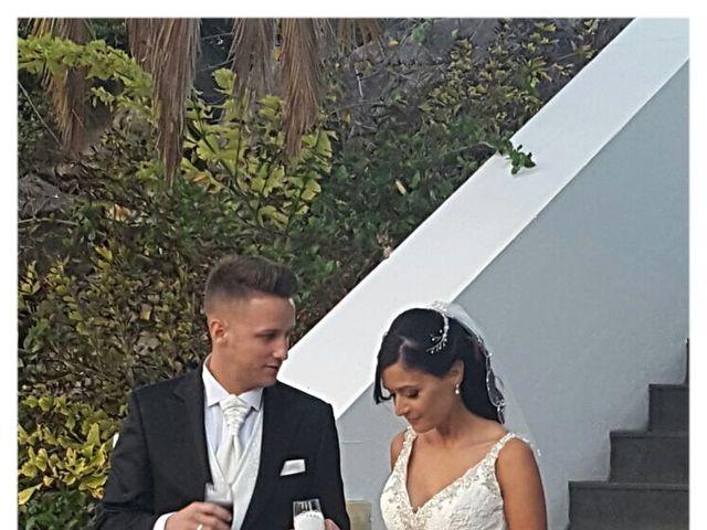La boda de Daniel y Elena  en Arrecife, Las Palmas 4