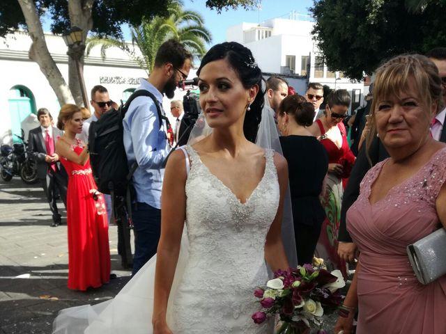 La boda de Daniel y Elena  en Arrecife, Las Palmas 6
