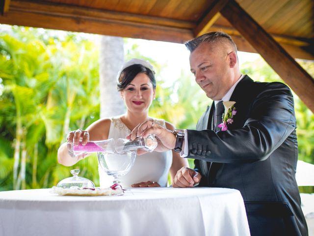 La boda de Francisco  y Patricia  en Puerto De La Cruz, Santa Cruz de Tenerife 25