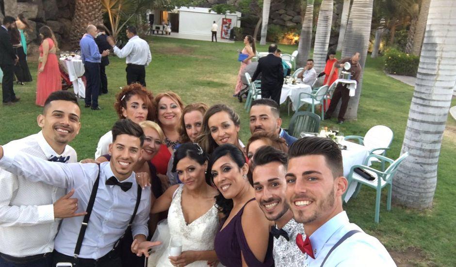 La boda de Daniel y Elena  en Arrecife, Las Palmas