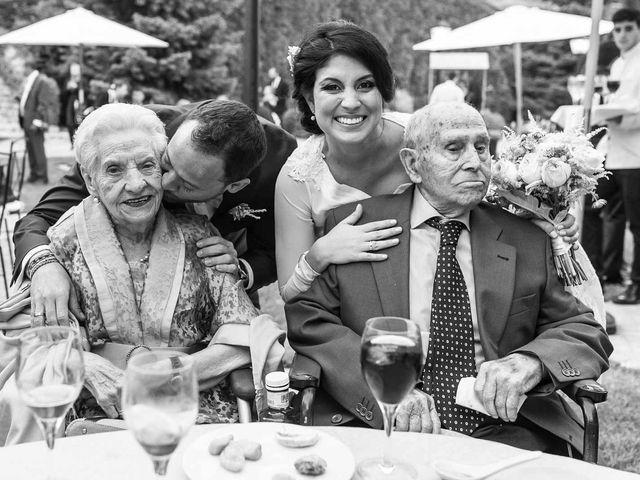 La boda de Miguel Angel y Valeria en San Fernando De Henares, Madrid 23