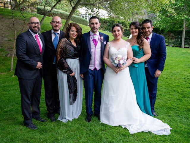 La boda de Carlos y Rut en Madrid, Madrid 409