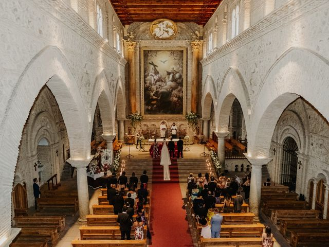 La boda de Cesar Loo y Lourdes González  en Toledo, Toledo 15
