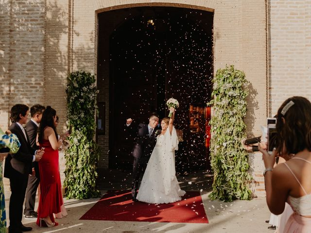 La boda de Cesar Loo y Lourdes González  en Toledo, Toledo 18