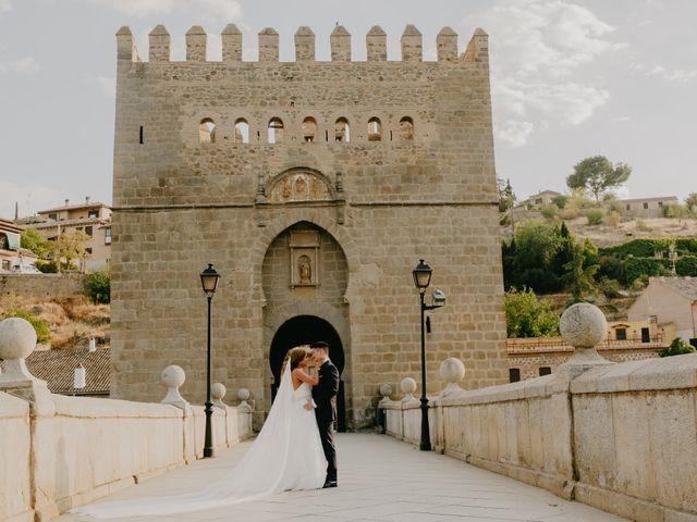 La boda de Cesar Loo y Lourdes González  en Toledo, Toledo 24