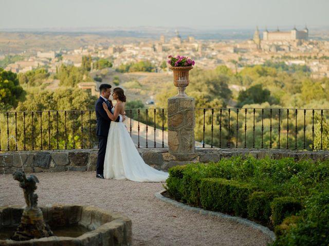 La boda de Cesar Loo y Lourdes González  en Toledo, Toledo 25