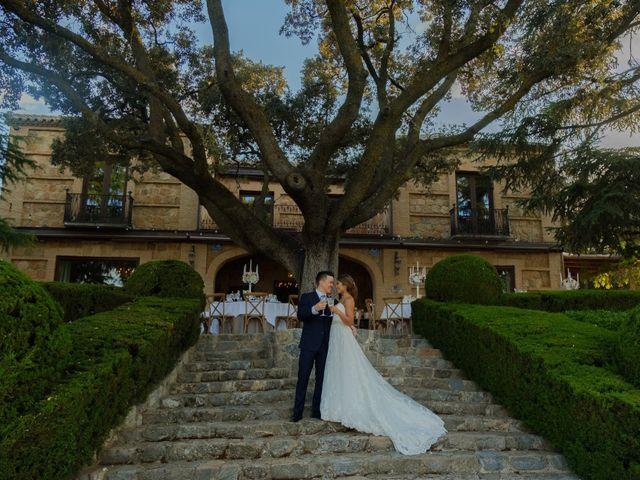 La boda de Cesar Loo y Lourdes González  en Toledo, Toledo 1