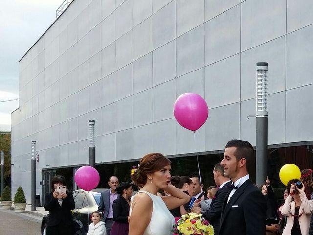 La boda de Adri y Yeni en Carracedelo, León 10