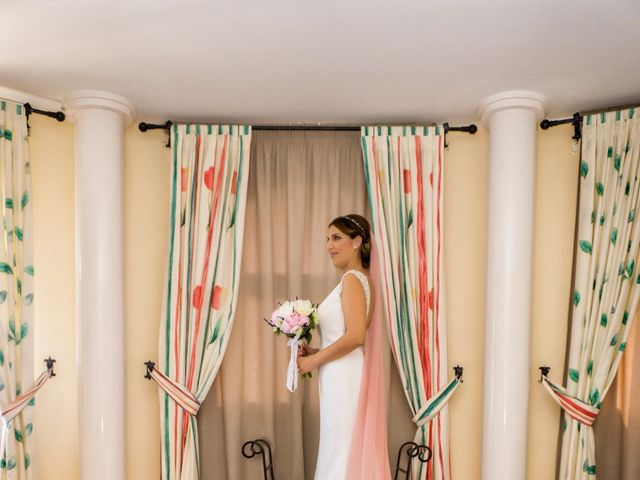 La boda de Javi y Lydia en Salobreña, Granada 9