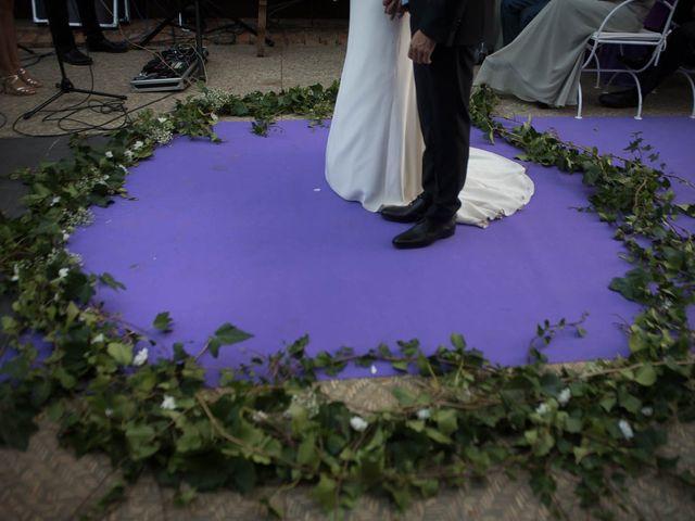 La boda de Juan y Raquel en Ballesteros De Calatrava, Ciudad Real 3