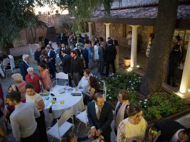 La boda de Juan y Raquel en Ballesteros De Calatrava, Ciudad Real 6