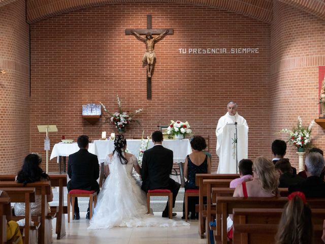 La boda de Carlos y Laura en Azuqueca De Henares, Guadalajara 10