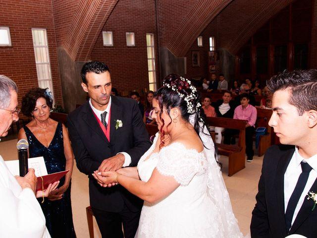 La boda de Carlos y Laura en Azuqueca De Henares, Guadalajara 14