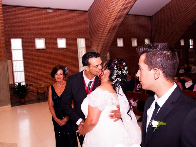La boda de Carlos y Laura en Azuqueca De Henares, Guadalajara 15