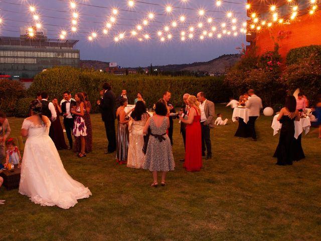 La boda de Carlos y Laura en Azuqueca De Henares, Guadalajara 32
