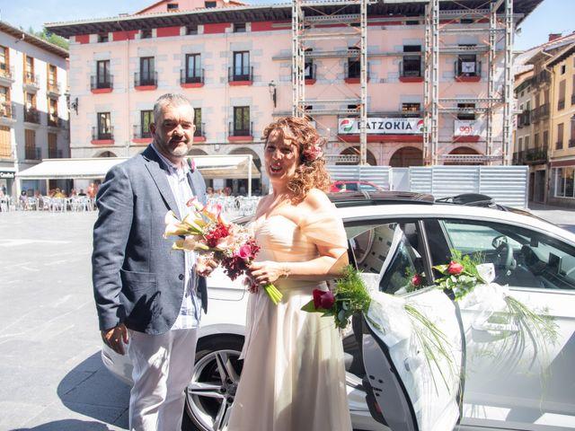La boda de Amaia y Merino en Elgoibar, Guipúzcoa 57