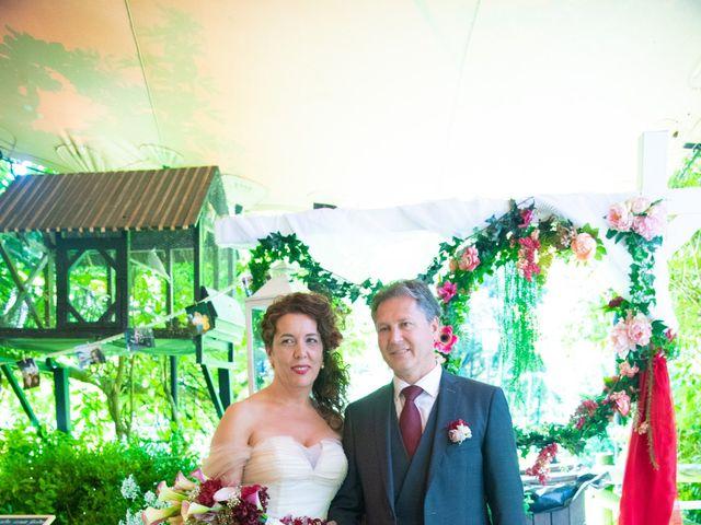 La boda de Amaia y Merino en Elgoibar, Guipúzcoa 127